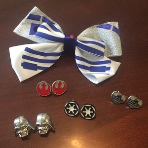 Star Wars bow and earrings